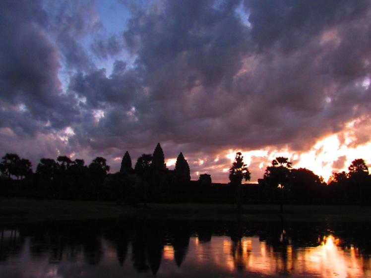 angkor-wat-sunrise-1